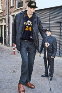 """At 8'3"""" and completely immobile without a cane, Sultan Kösen is a Utah Jazz wet dream."""