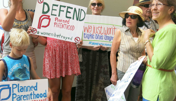 "Illiterate Anti-Choice Conservatives Accidentally Protest To ""Defend Planned Parenthood"""